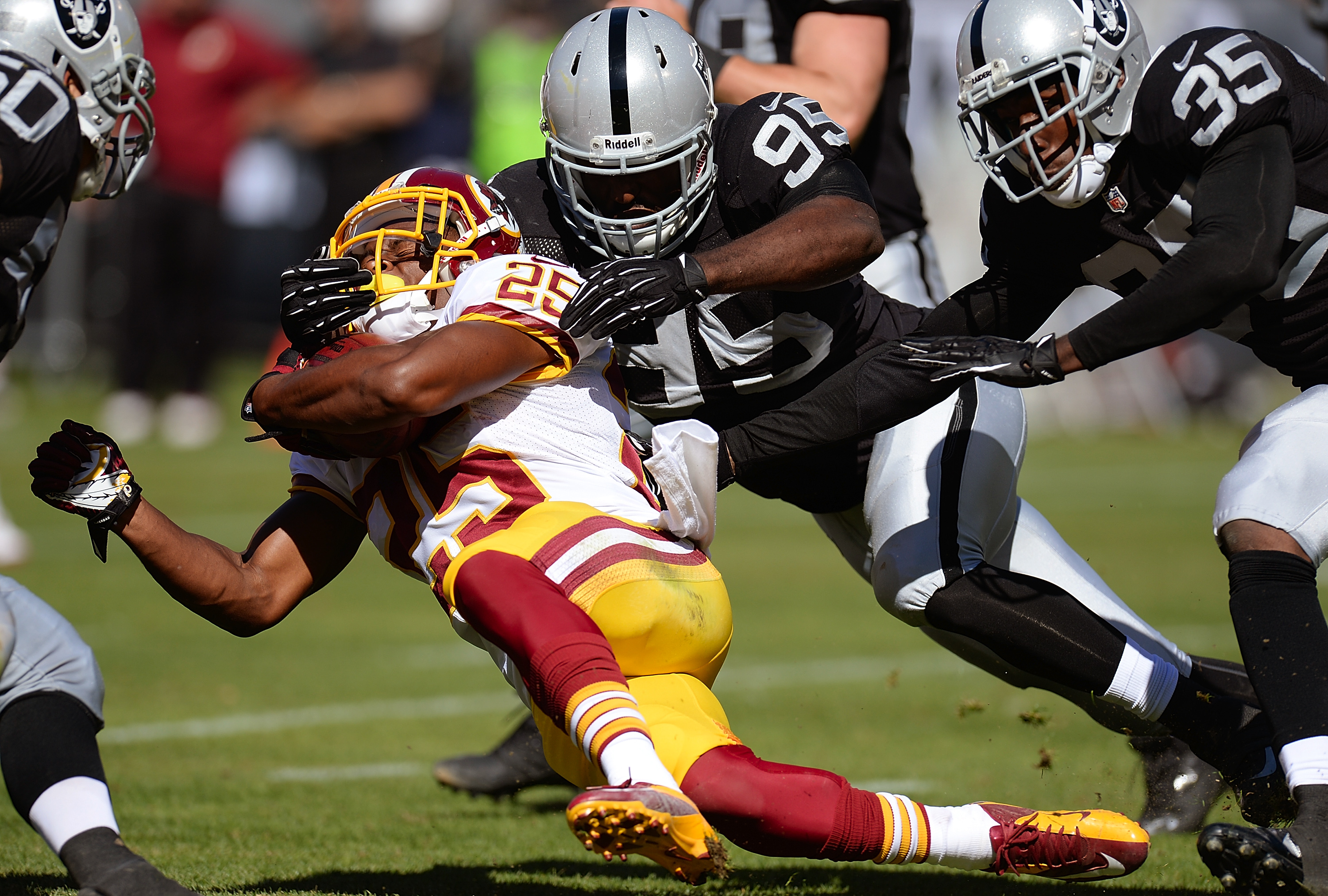 Raiders Trail Redskins Early on 'Sunday Night Football'